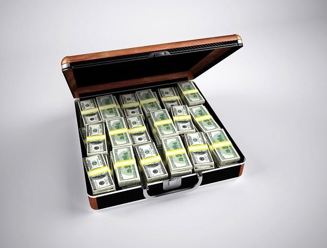 dolary v kufru.jpg