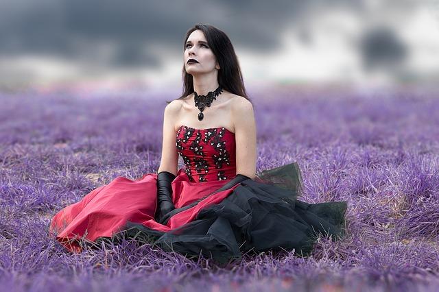 gotické šaty