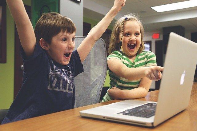 dětská pozornost na počítač.jpg